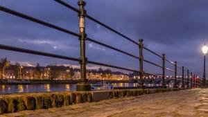 De igual modo, la ciudad holandesa de Maastricht es otro de los lugares a los que los visitantes se desplazan una vez concluído su 'tour' por Bélgica. De pequeñas dimensiones, esta ciudad se caracteriza por el abundante uso de biciletas y por el paso del río Mosa. (FOTO: Paul Smeets).