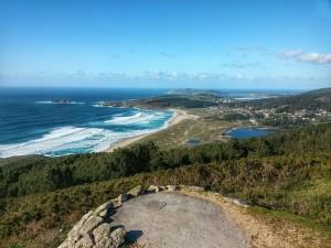 Playa Doniños, Galicia. Cuenta con casi dos km de longitud y ha sido galardonada con el distintivo Bandera Azul. (FOTO: Pixabay)