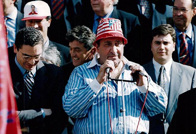 Gil dando un discurso para celebrar el doblete. Fuente: Marca. Archivo.
