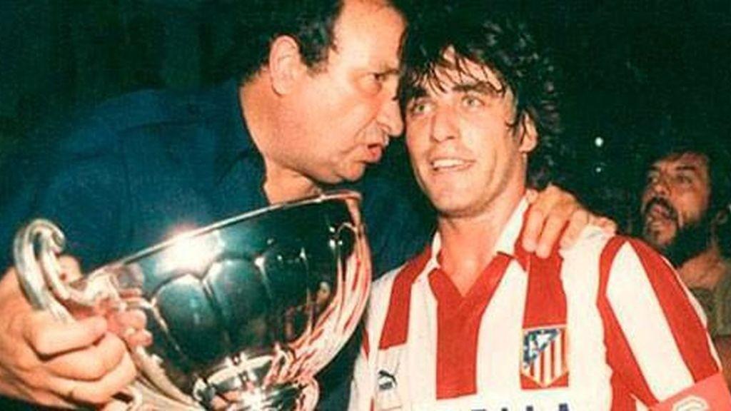 Paulo Futre, junto a Jesús Gil, en su época de jugador del Atlético. Fuente: El Español. Archivo.