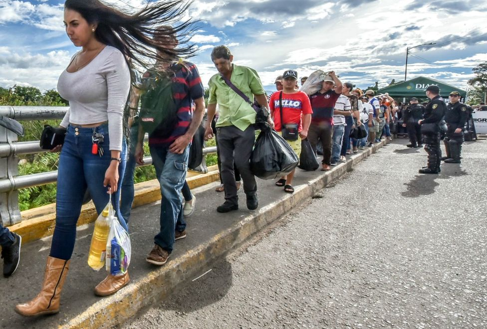 La migración ha generado que miles de venezolanos busquen trabajo en diferentes ciudades de Colombia. ® AFP