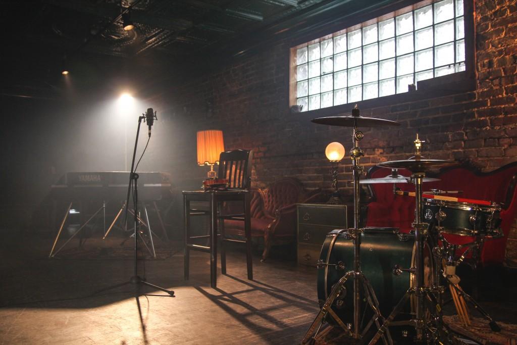 Los bares de música en vivo están obligados a limitar los visitantes. Foto por John Matychuk.