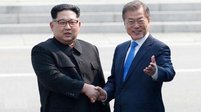 Encuentro de los líderes de ambas Coreas. Fuente: Infobae.