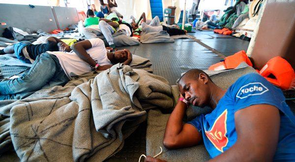Rackete dijo que algunos refugiados hablaban de quitarse la vida. Por eso, tomó la decisión. FUENTE: Cambio 16.